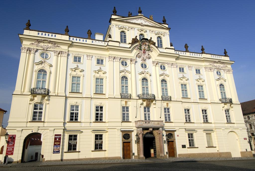 Штенргбергский дворец в Праге